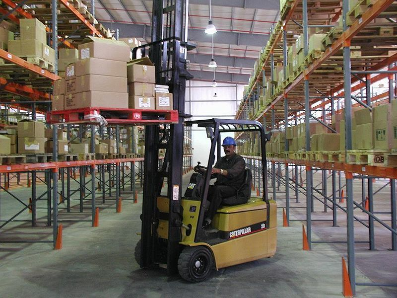 industrial-counterbalance-forklift